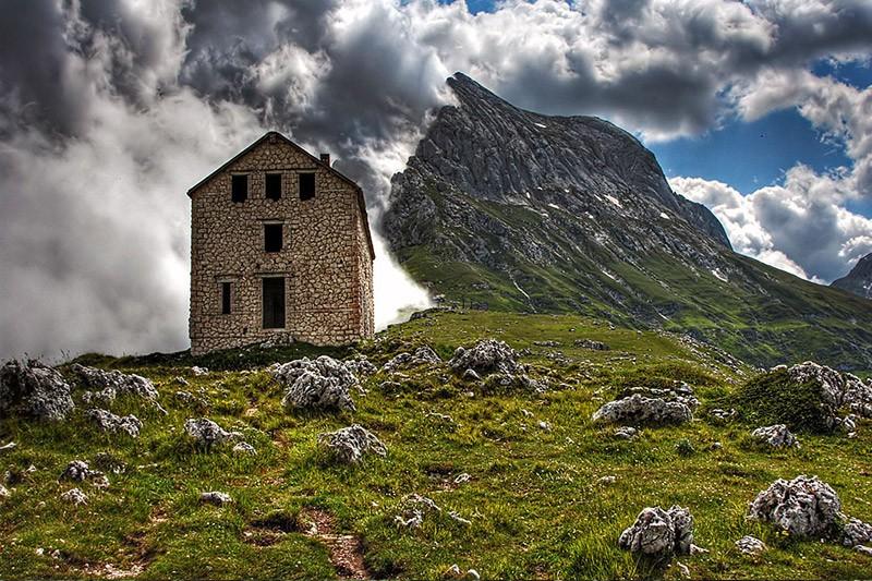 Risultati immagini per Miramonti Village - Gran Sasso d'Italia - Pietracamela (Teramo - Abruzzo) harry potter foresta proibita
