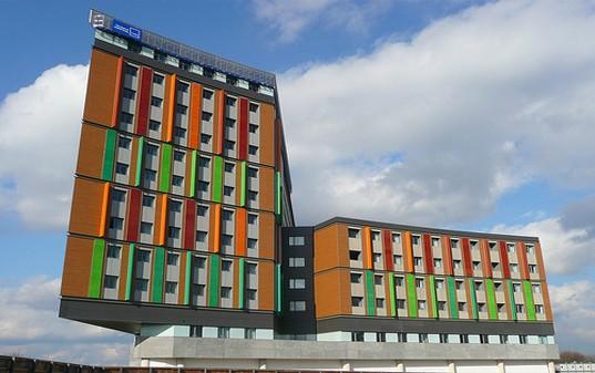College Conel Centre Tottenham